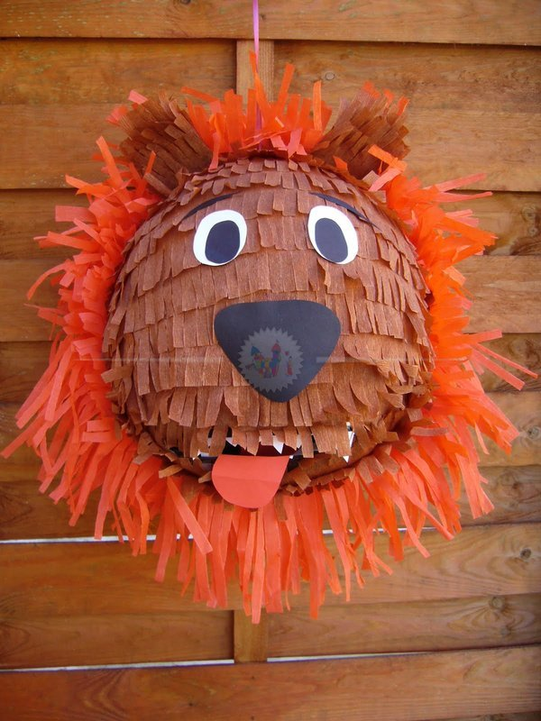 Oroszlán Piñata